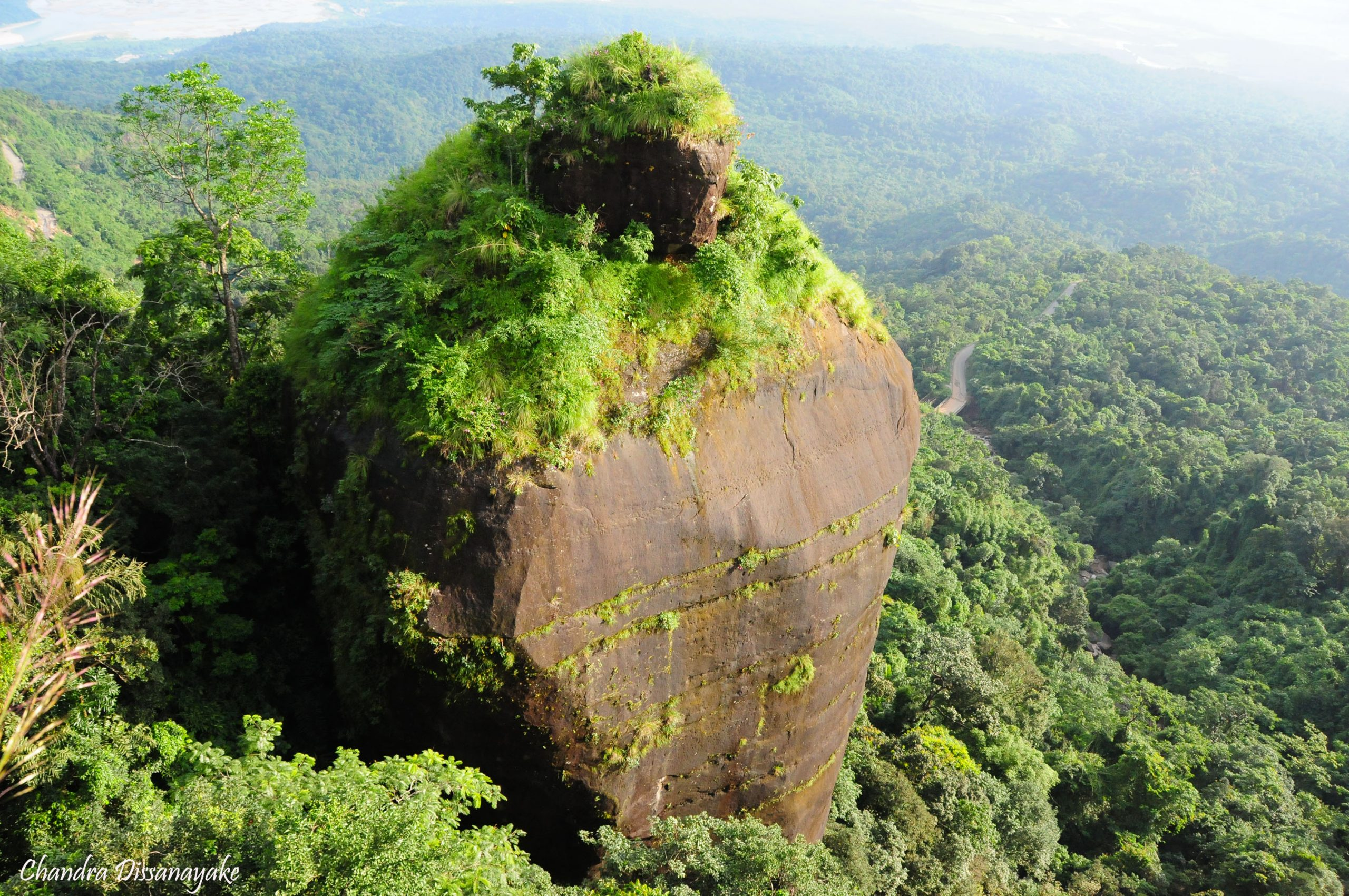 Best Attraction to Nearby Nohkalikai Waterfalls-Ka Khoh Ramhah