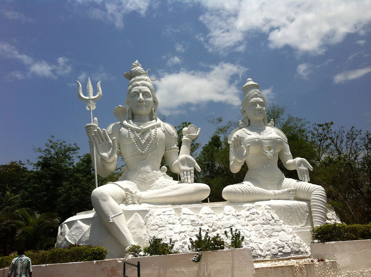 Statue of Shiva and Parvathi at the Kailasagiri Hills