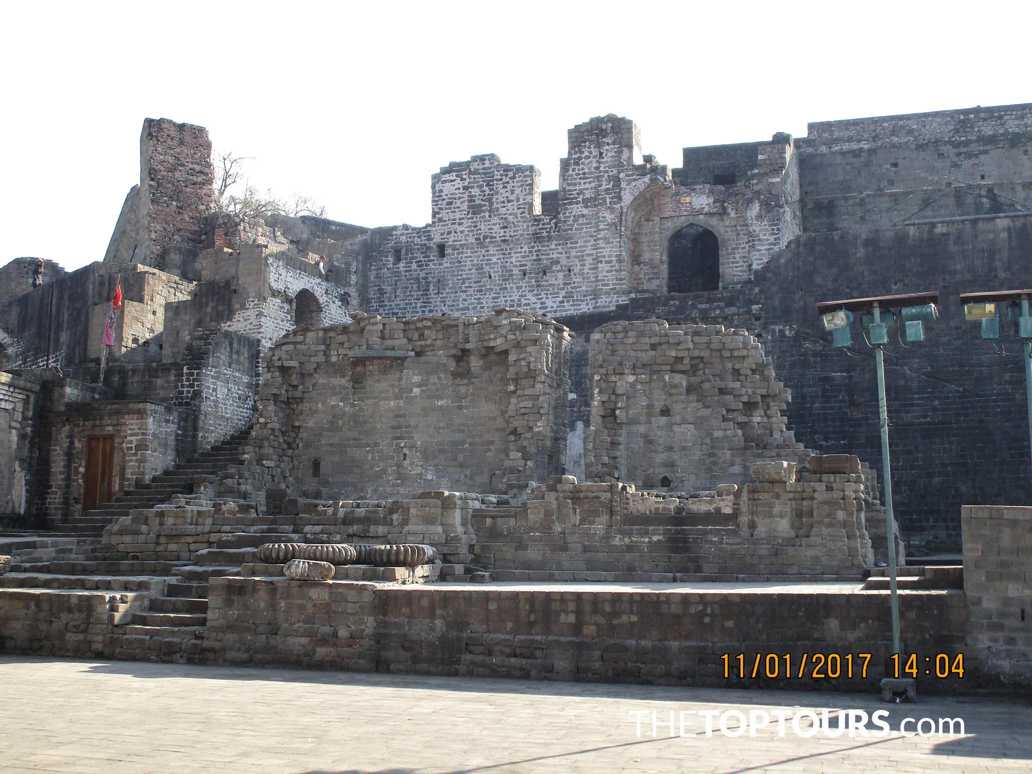 Visit Kangra Fort Near Dharamshala, Himachal Pradesh