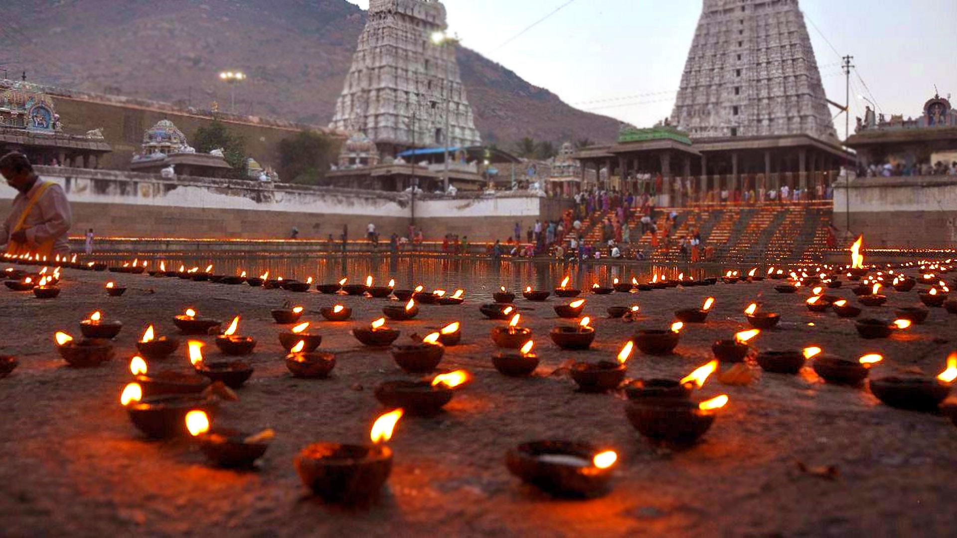 Beautiful Local Festivals Of Tamil Nadu-Karthigai Deepam