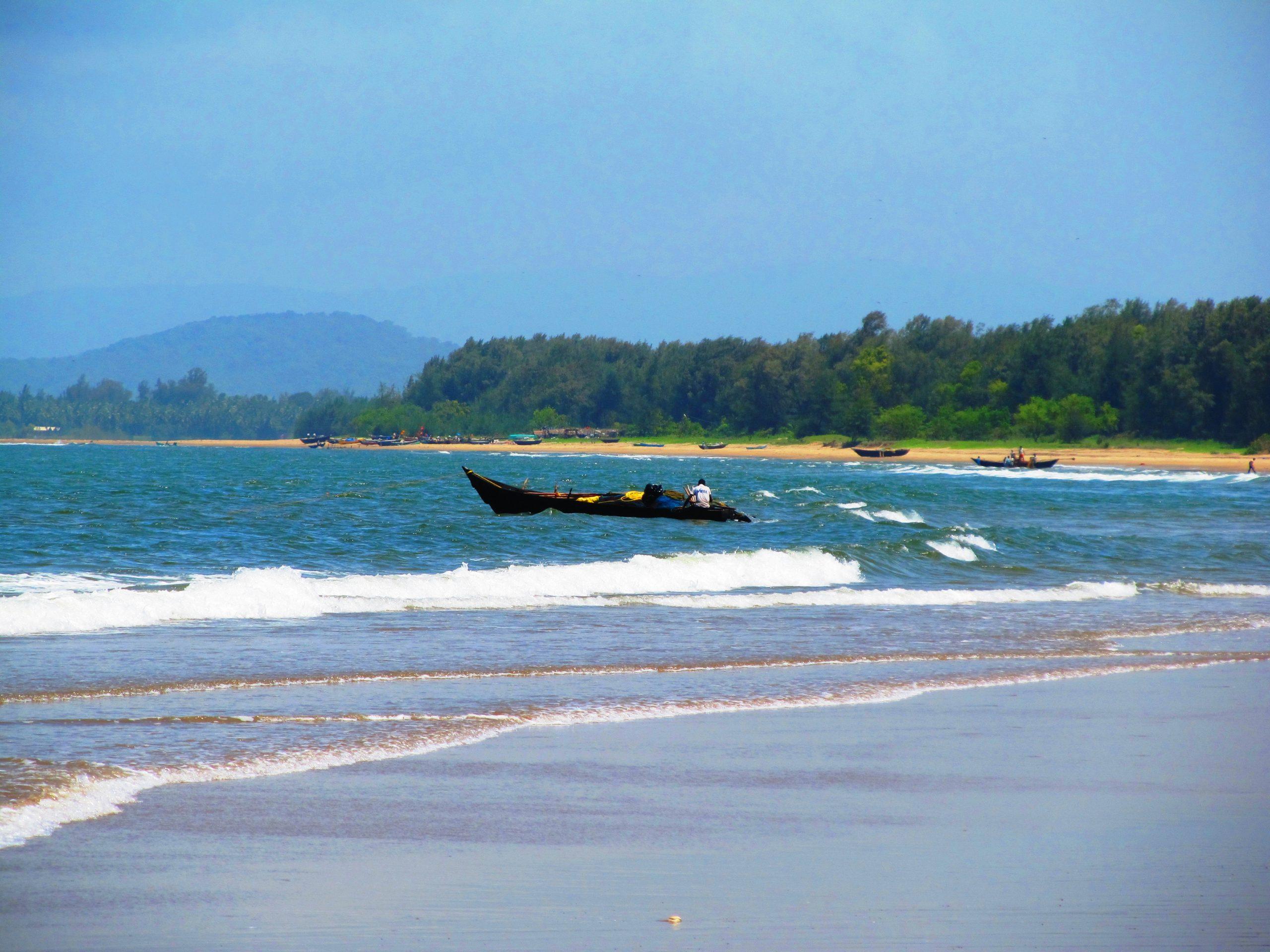 Explore the Amazing Karwar Beach in Karnataka