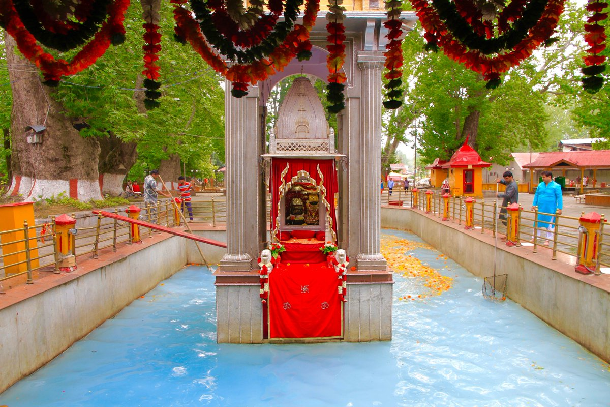 Best Place to See in Anantnag, Jammu and Kashmir-Kherbawani Asthapan