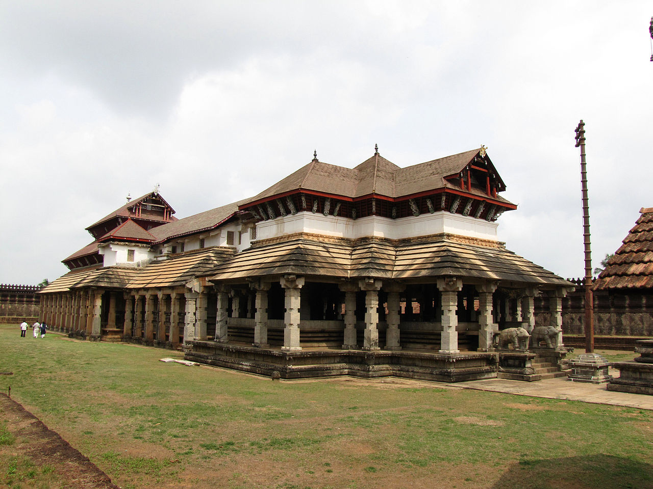 Amazing Place To See Near The Koppal Fort-Jaina Kashi, Kinhal