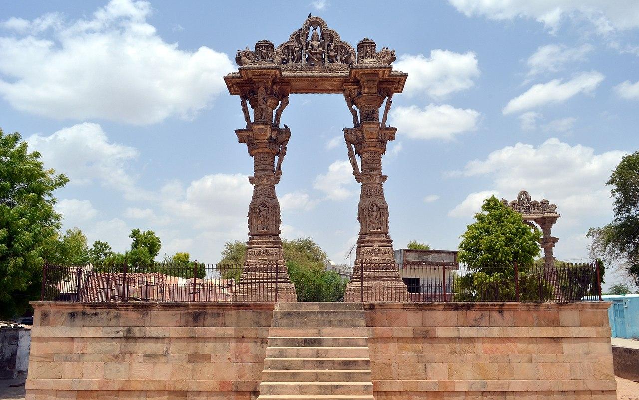 Place to Visit Near Hatkeshwar Temple-Kirti Toran