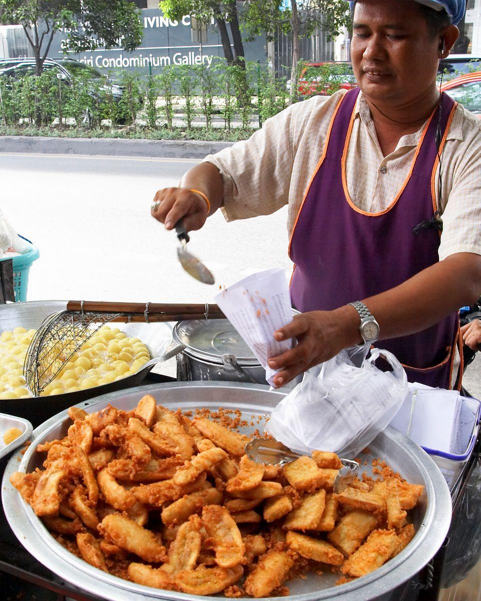 Famous Thai Street Food-Kluay Tod