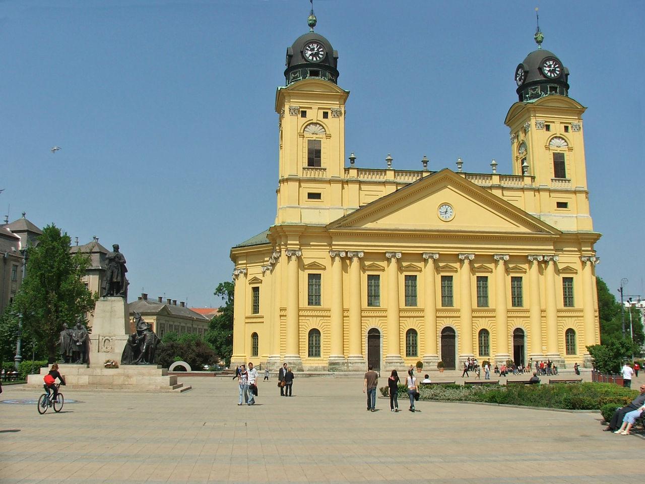 Nice Place to Visit In Debrecen-Kossuth Square