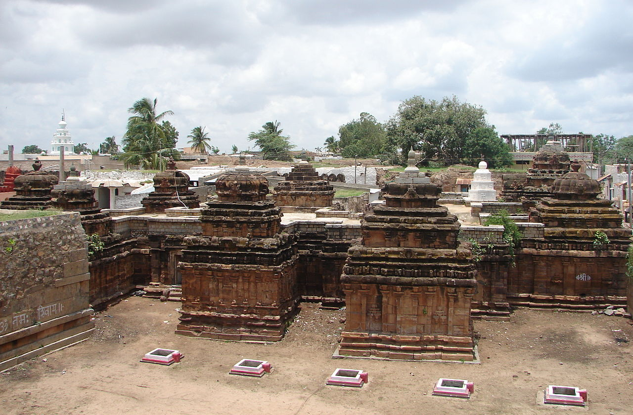 Place To See Near The Koppal Fort-Navalinga Temples, Kukanoor