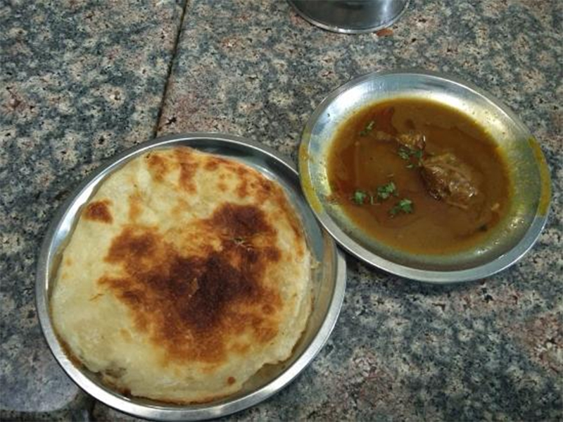 Rahim Ke Kulche Nihari - Popular Street Food Joints in Lucknow That One Must Not Miss