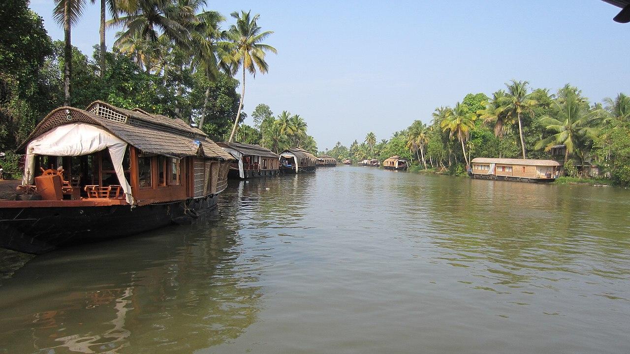 Kerala Perfect Monsoon Getaway-Vembanad Lake, Kumarakom