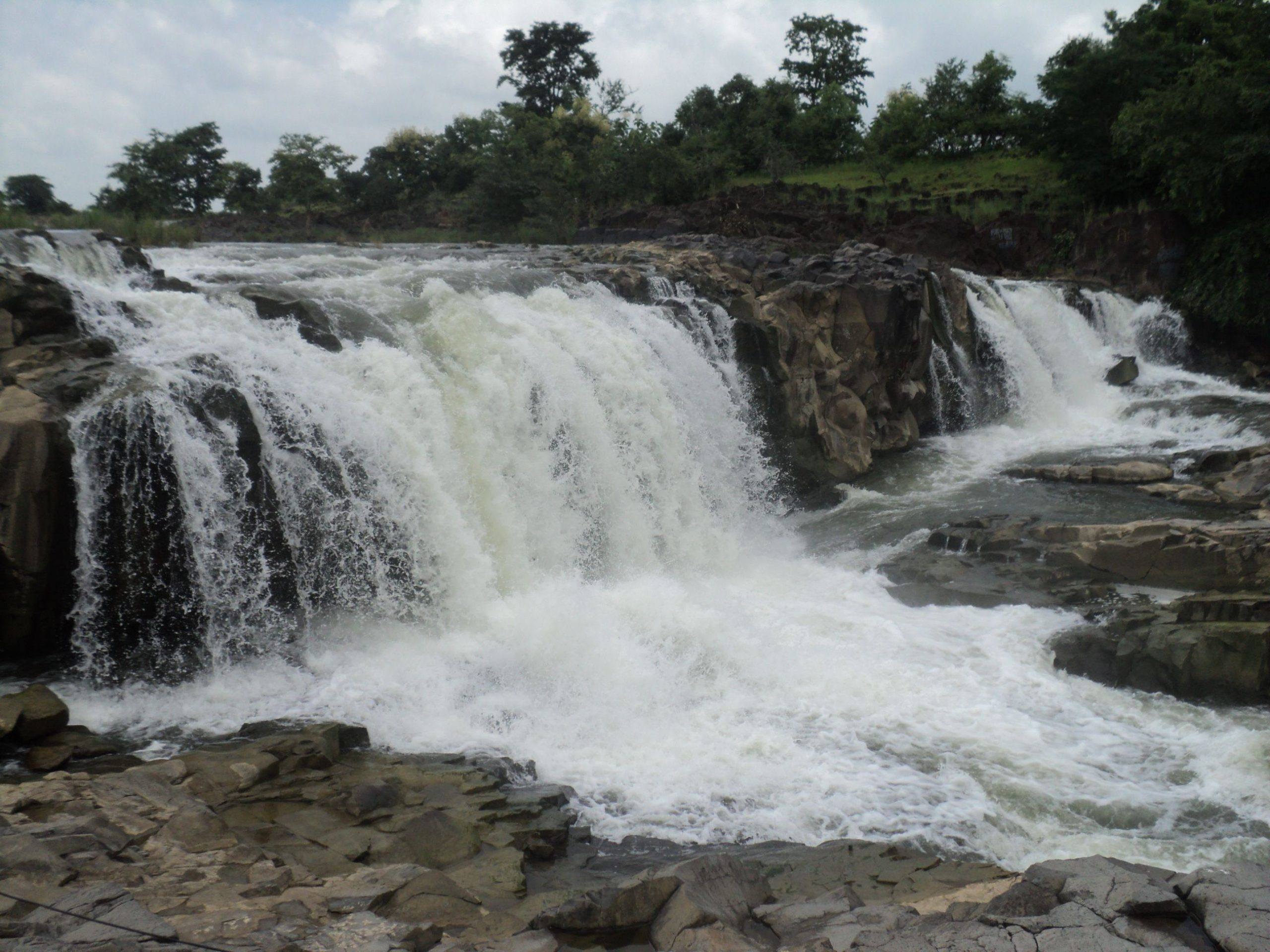 Amazing Weekend Getaways in Telangana-Kuntala Waterfall