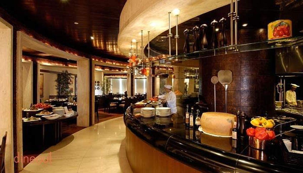 La Cucina - Restaurants In Kolkata That Every Tourists Must Visit