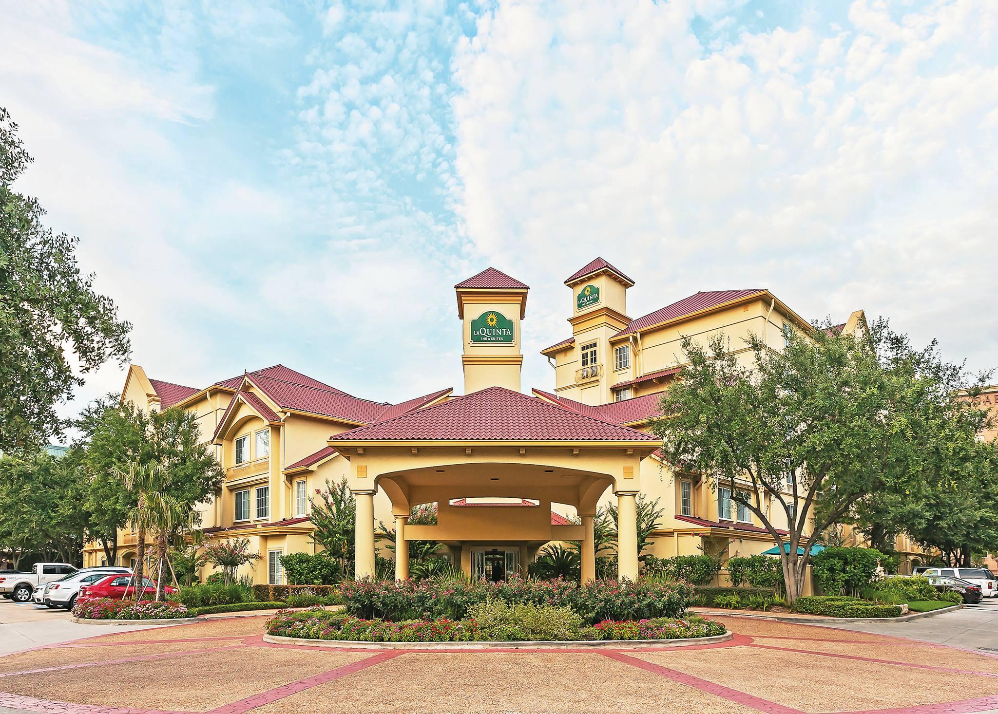 Budget Hotel in Houston-La Quinta Inn & Suites Houston Galleria Area