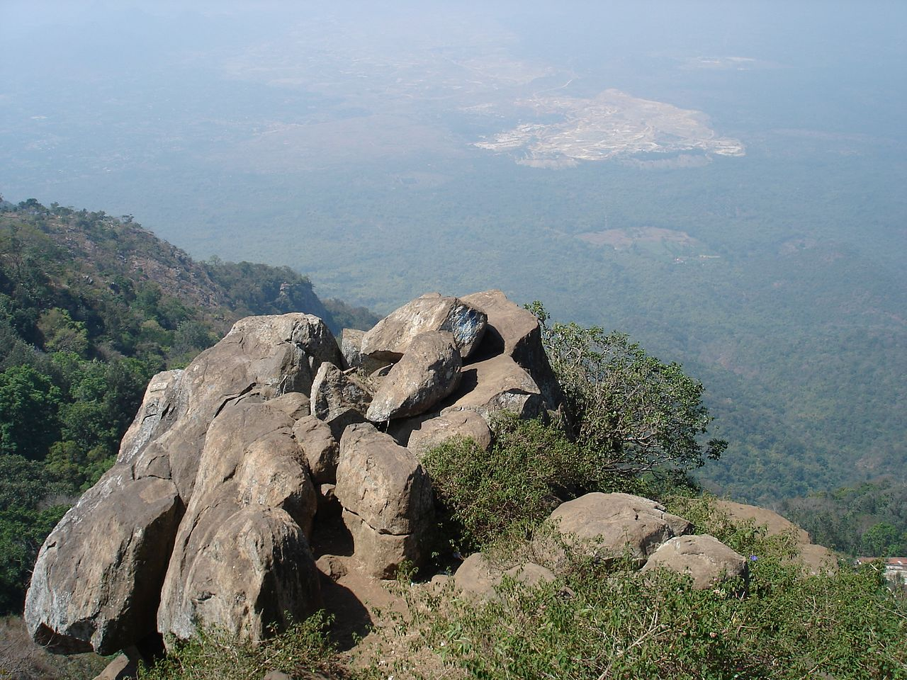 Visit Place In Yercaud-Lady's Seat