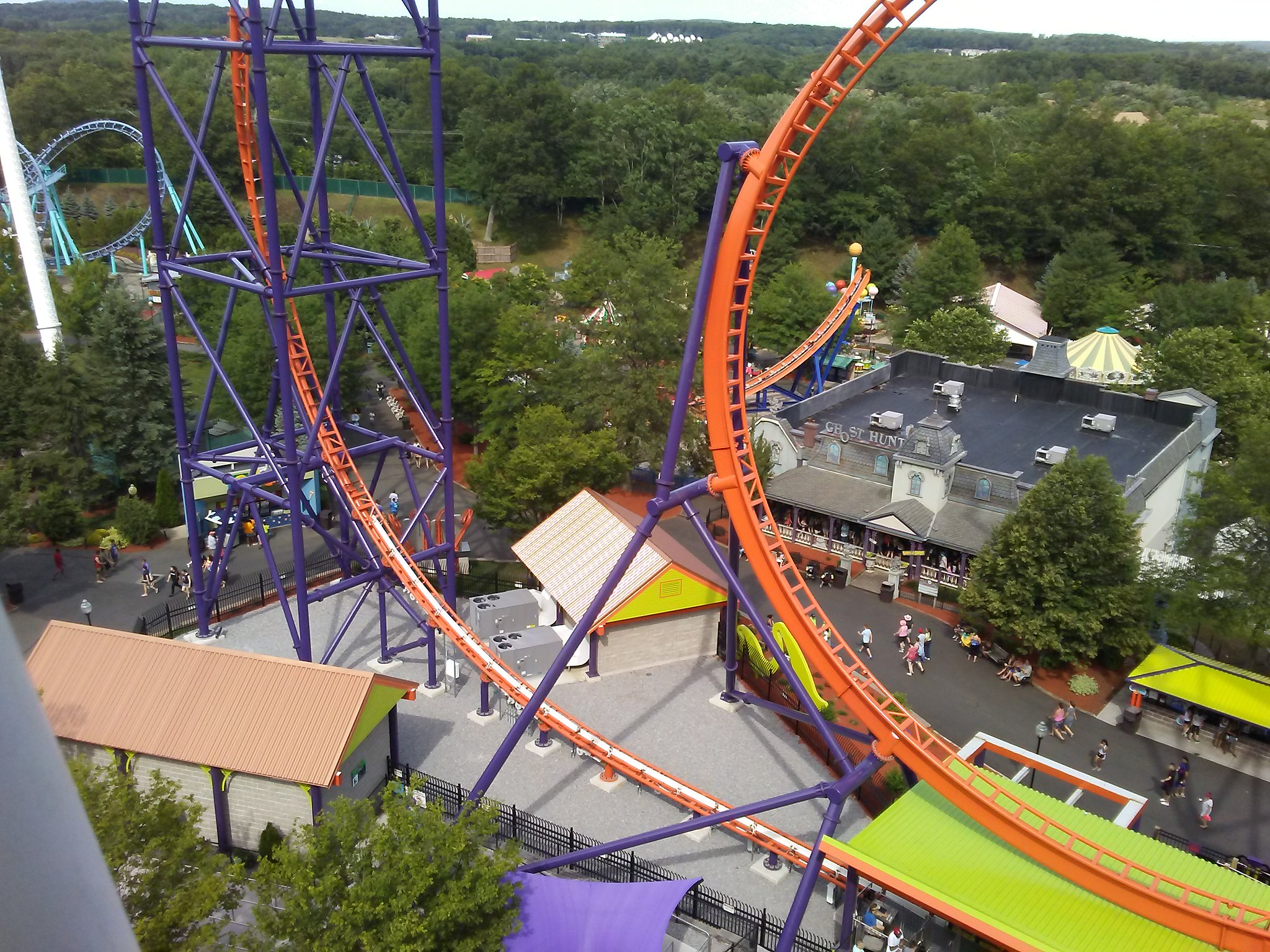 Top Place to Visit in Connecticut-Lake Compounce: Family Theme Park