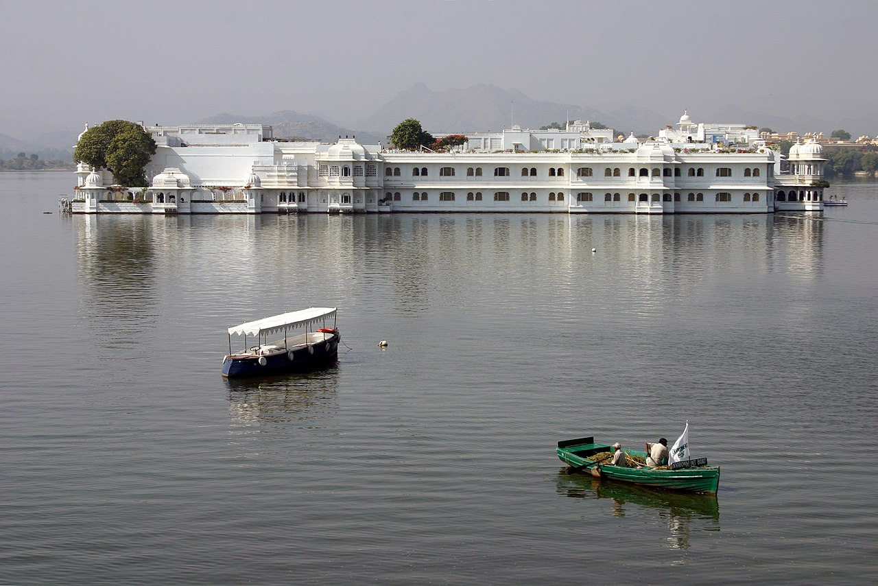 Lake Palace - Amazing Palace to Visit in Udaipur
