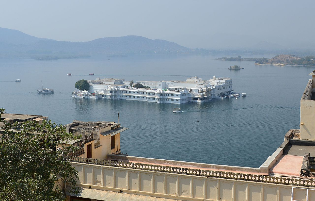 Top-Rated Place to Visit in Udaipure-Lake Pichola