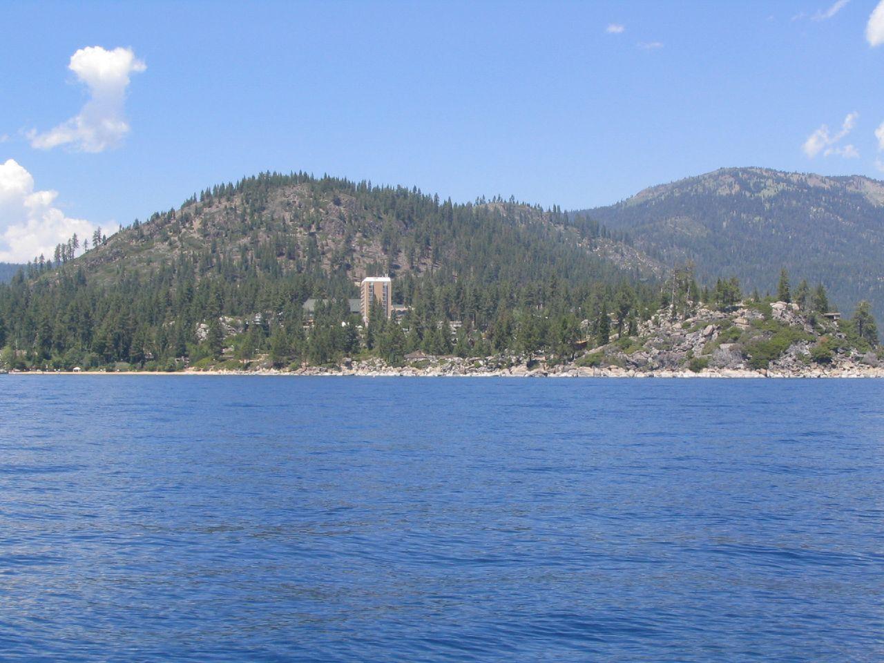 Amazing Destination in California for Road Trips-Lake Tahoe, Sierra Nevada