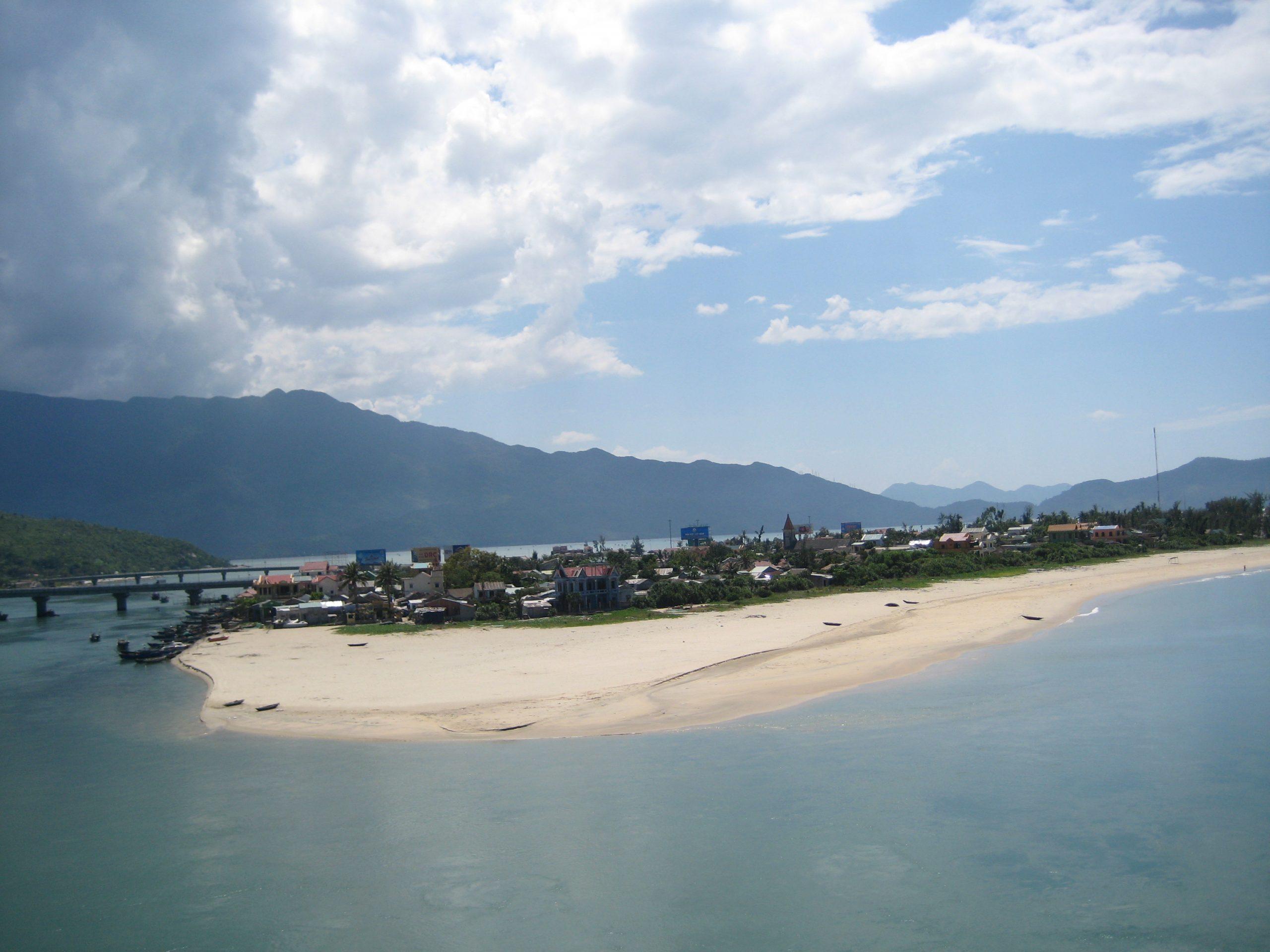 Lang Co-Amazing Beache in Vietnam