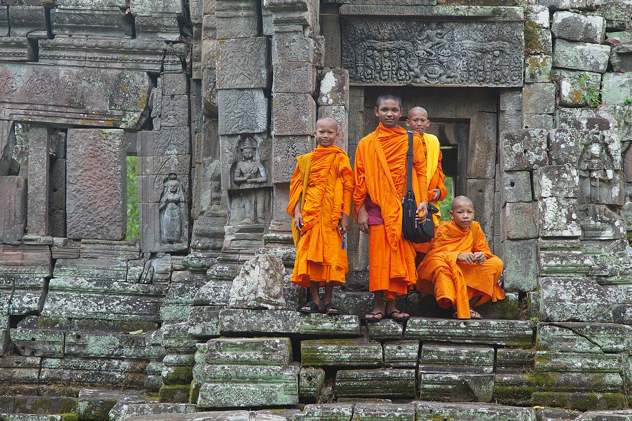Cambodia Travel Guide- Languages and Ethnicities in Cambodia, Hinayana and Mahayana Buddhists