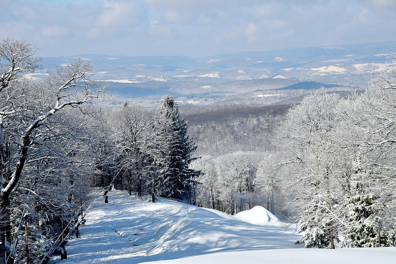 Best Ski-resort to visit in Pennsylvania-Laurel Mountain Ski Resort