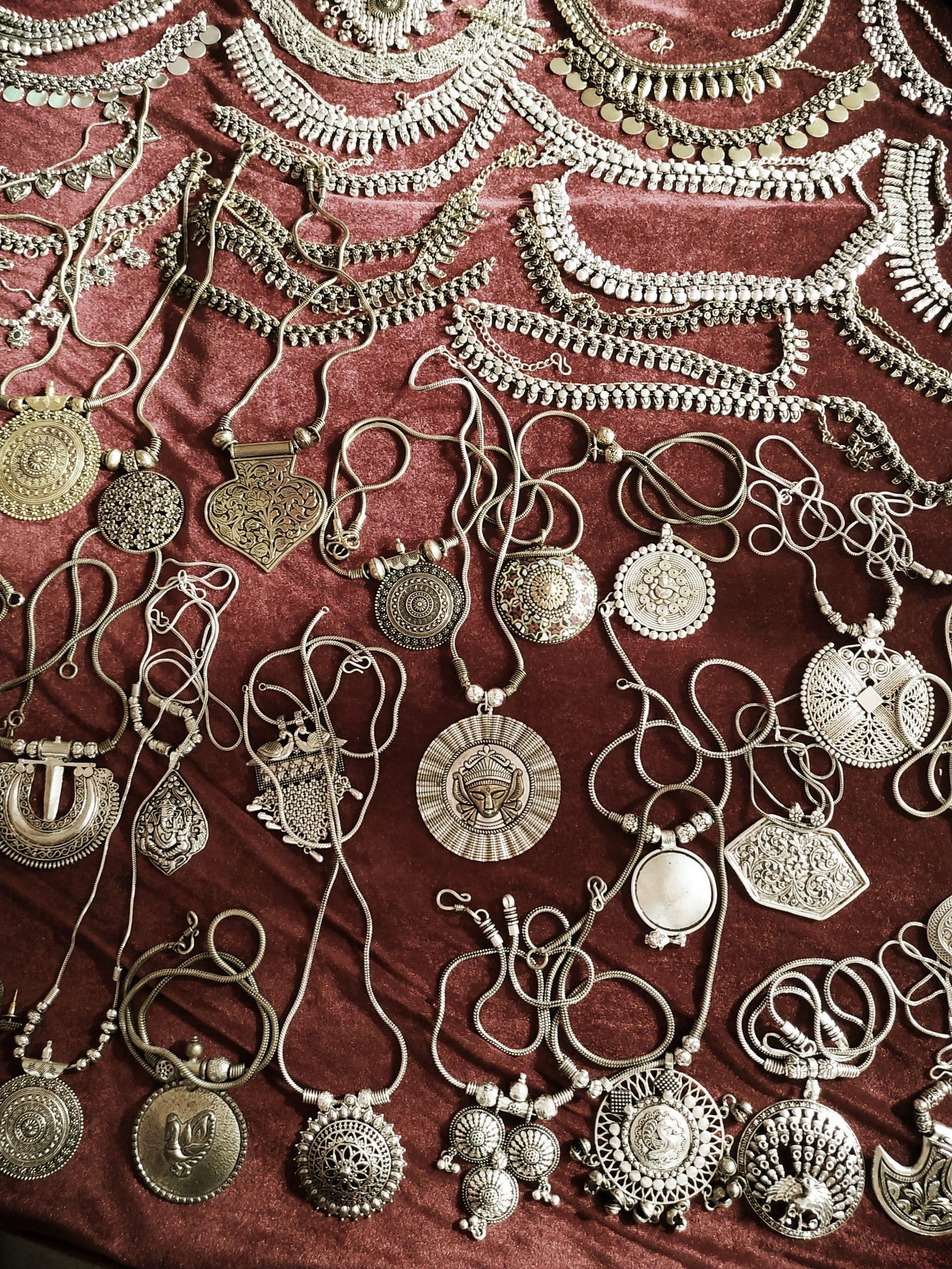 law graden night market-antique jewellery shopping in ahmedabad
