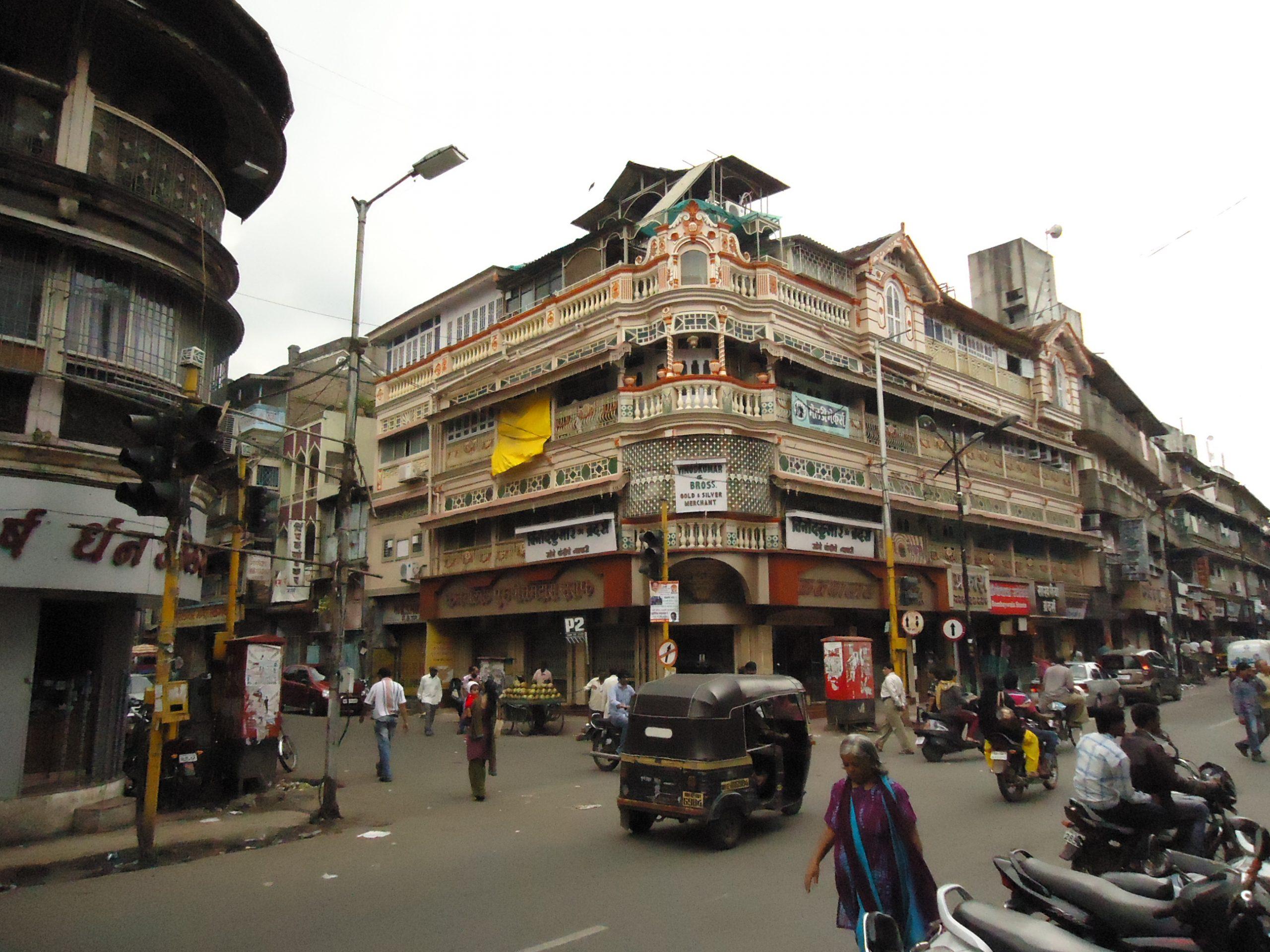 Amazing Shopping Spot in Pune-Laxmi Road