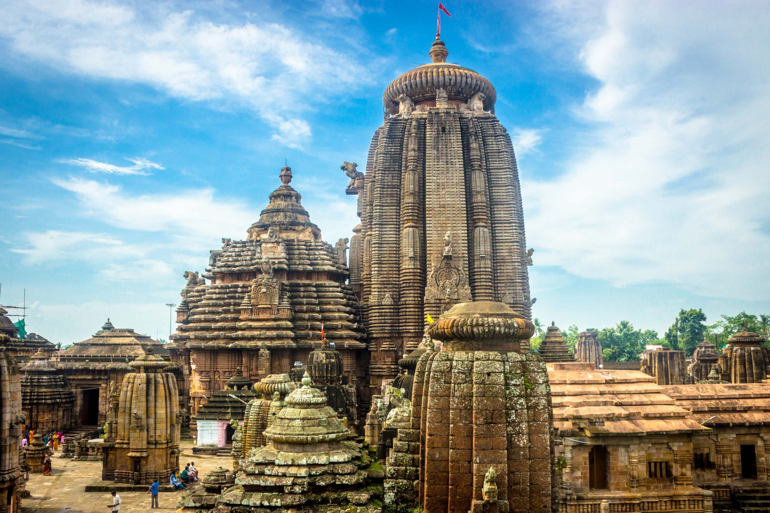 Most Popular Place To Visit In Bhubaneswar - Lingaraj Temple