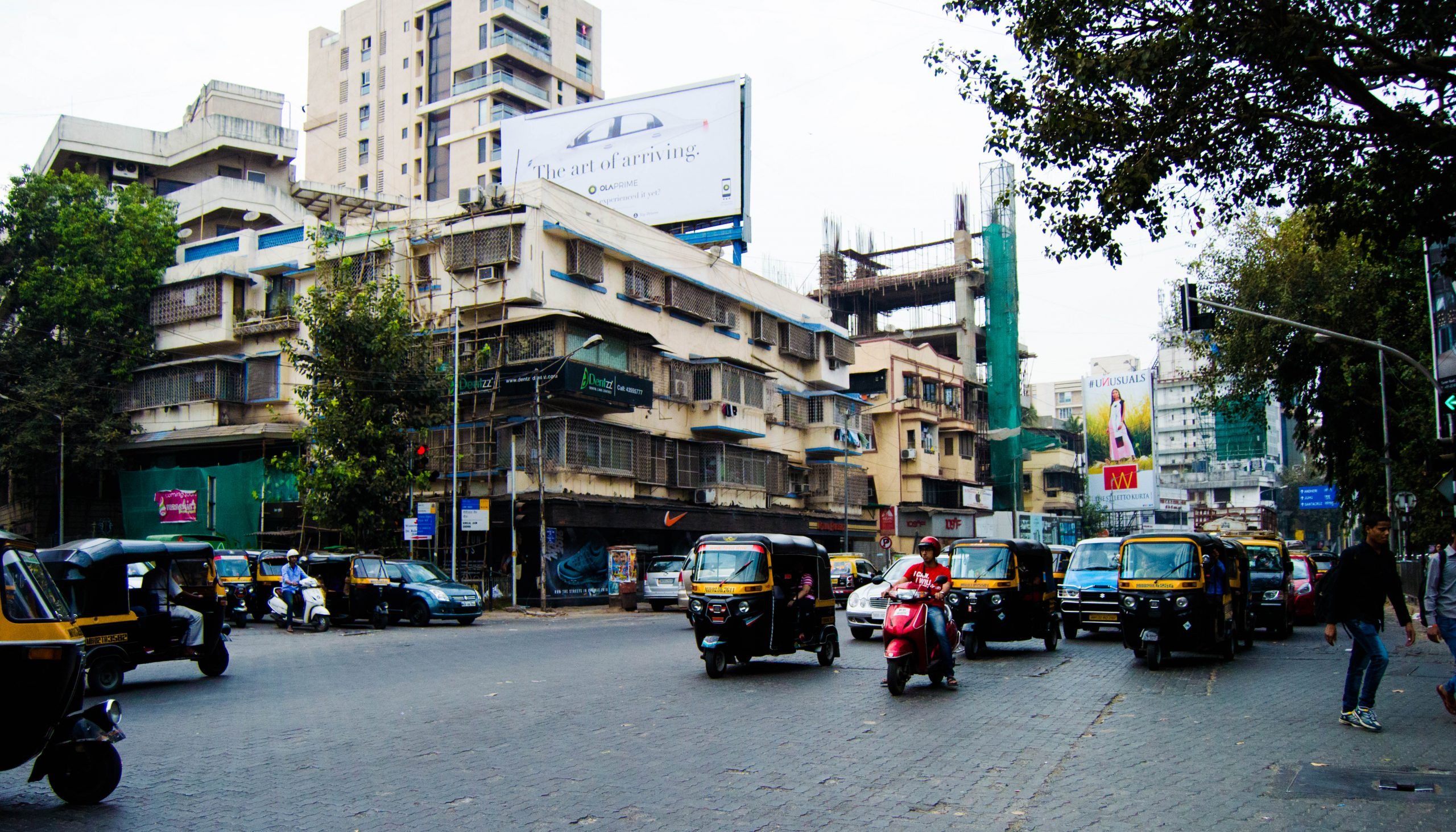 Linking Road Shopping Place in Mumbai