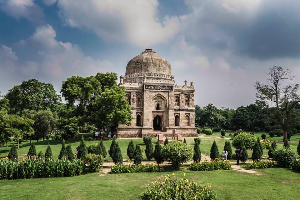 Popular Place To Visit In Delhi In Winter-Lodhi Gardens