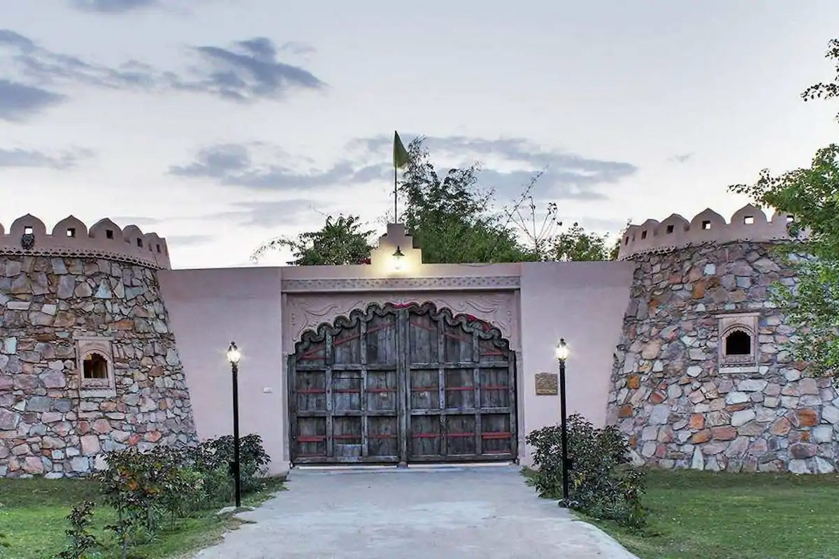 Luxury Hotel in Jaipur-Lohagarh Fort Resort