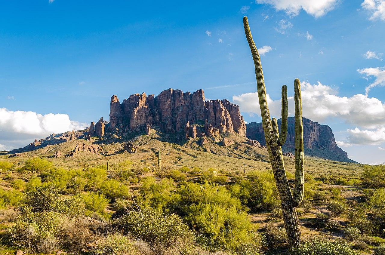 Sight-seeing Weekend Getaways From Scottsdale-Lost Dutchman State Park