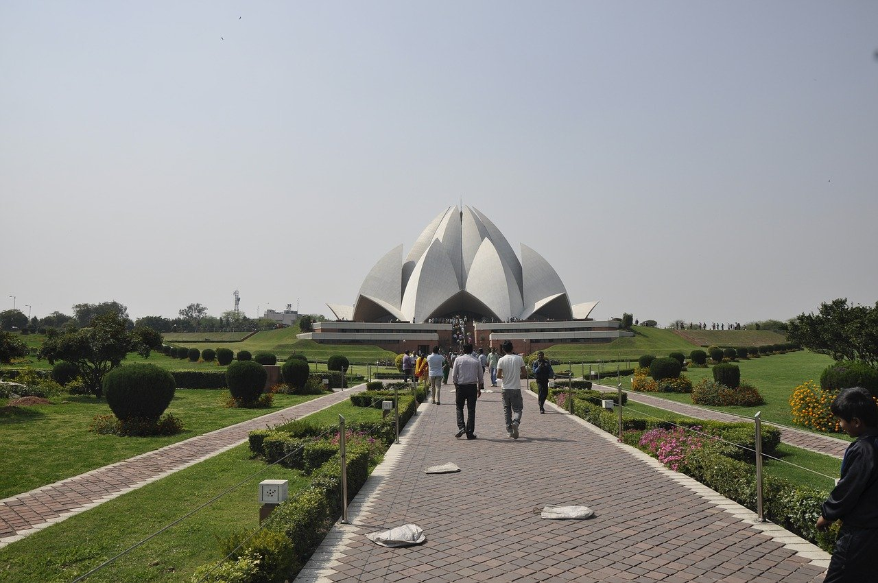 Famous Place To Visit In Delhi In Winter-Lotus Temple