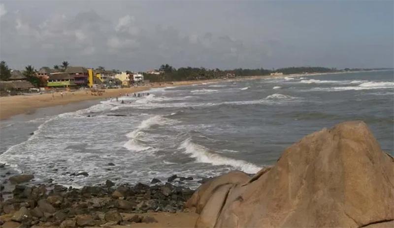 Amazing Mumbai Beach You Must Visit-Madh Beach (Madh)