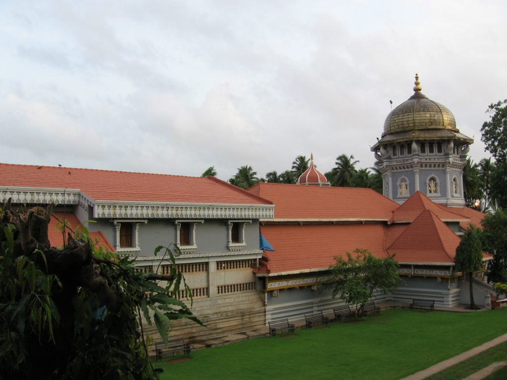 Mahalasa Temple - Go On A Spiritual Journey to Best Temples in Goa