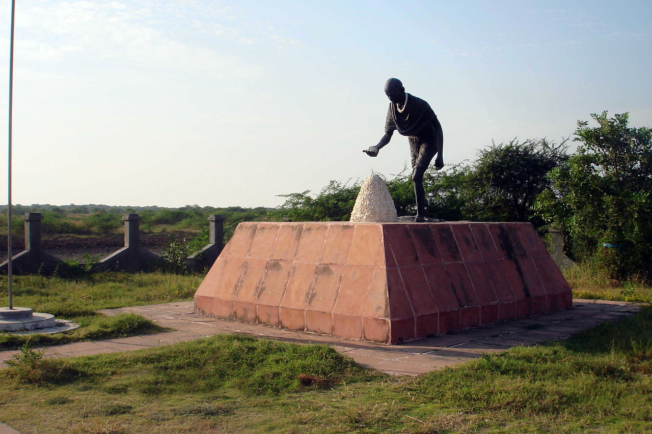 Statue of Mahatma Gandhi at the Dandi Beach
