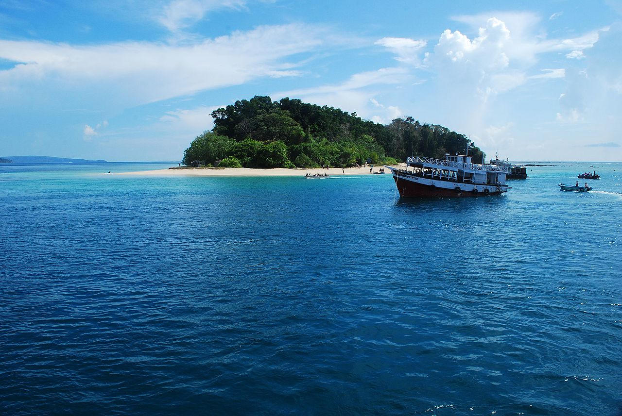 Famous Place to Visit in Andaman Nicobar Islands-Mahatma Gandhi Marine National Park