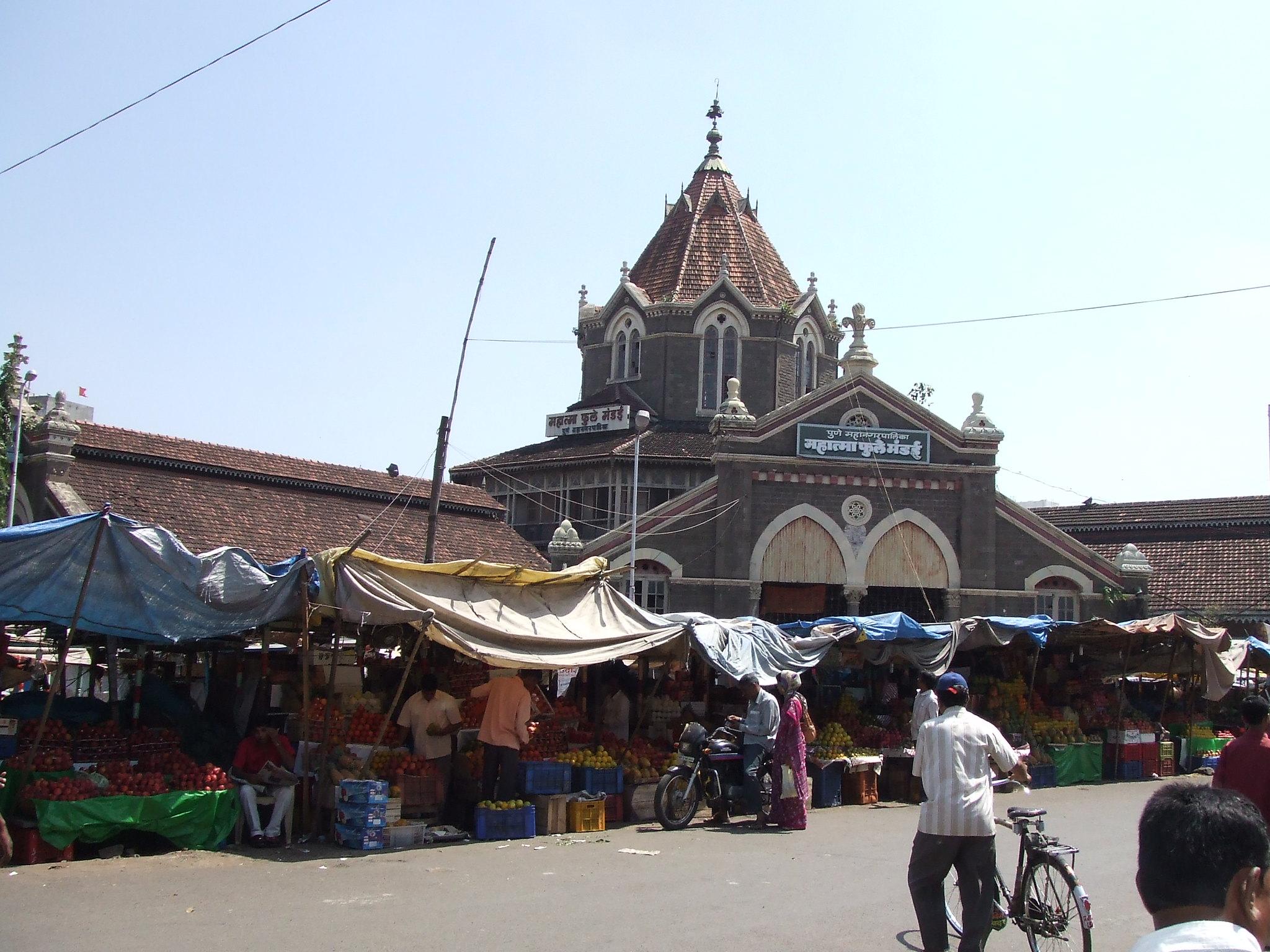 Best Shopping Spot in Pune-Mahatma Phule Mandai