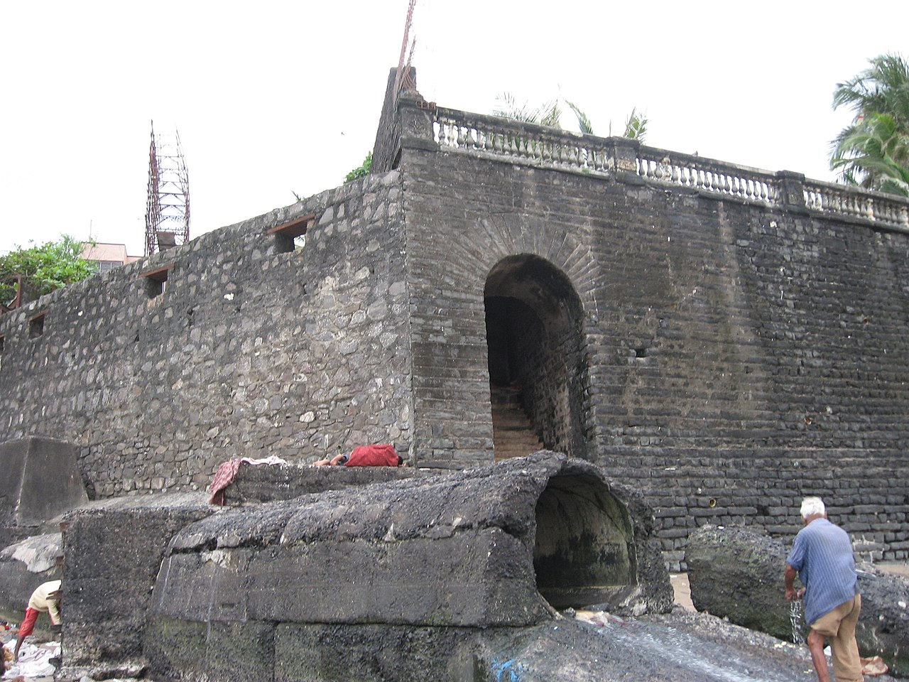 Visit Mahim Fort: The One That Is Encroached