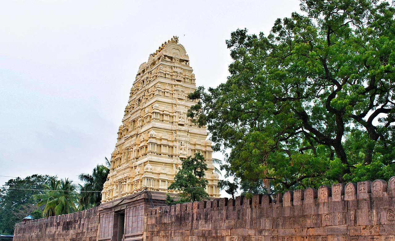 Visit Siva Mallikarjuna Temple in Srisailam: One of the 12 Jyothirlingas and 18 Shakti Peethas in India