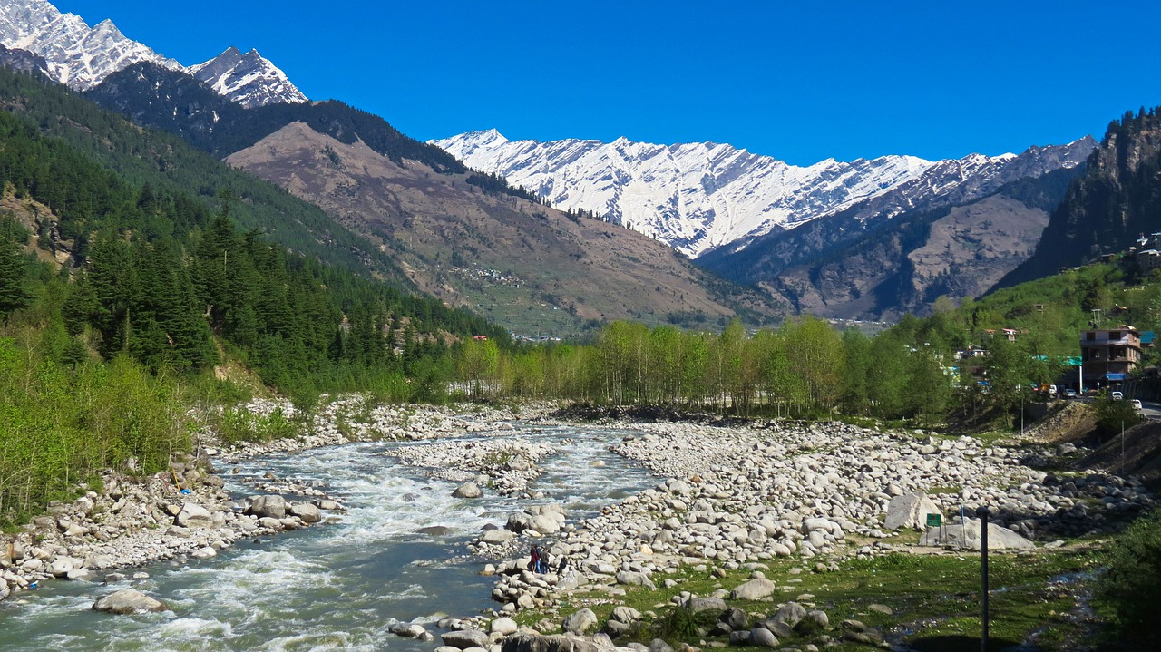 Ideal Place For A Two Day Trip From Delhi-Manali Hills
