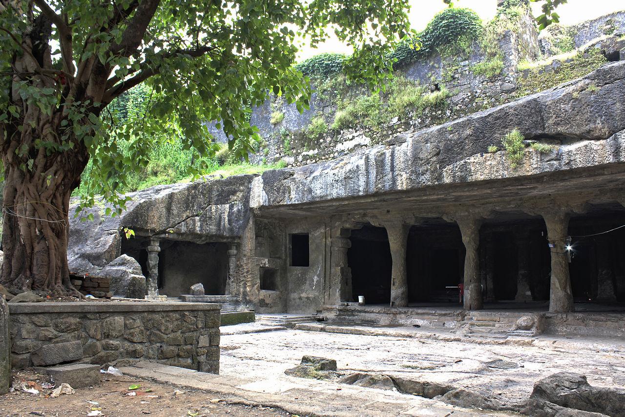 Visit Mandapeshwar Caves, Kandivali