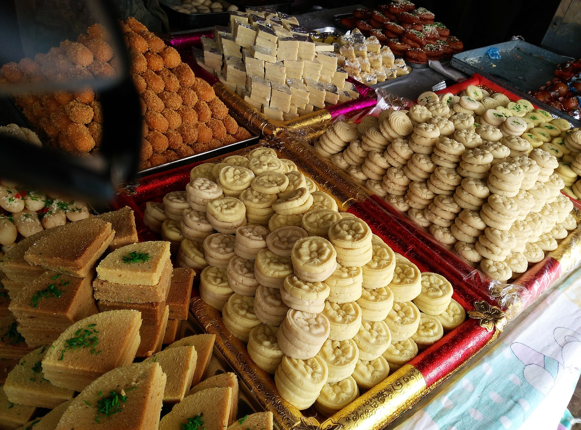 manek chowk bazaar-sweets all at an affordable price in ahmedabad