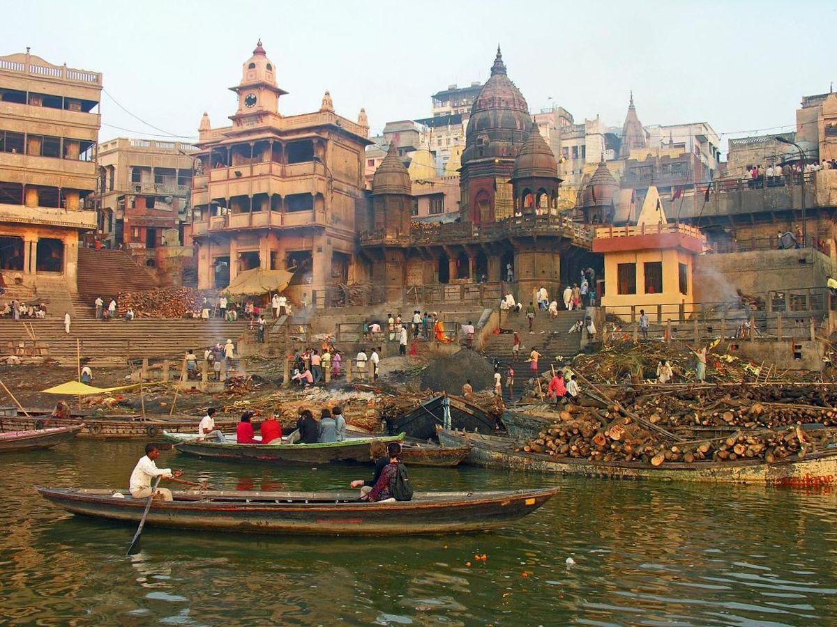 Popular Place To Visit Nearby Kashi Vishwanath Temple-Manikarnika Ghat