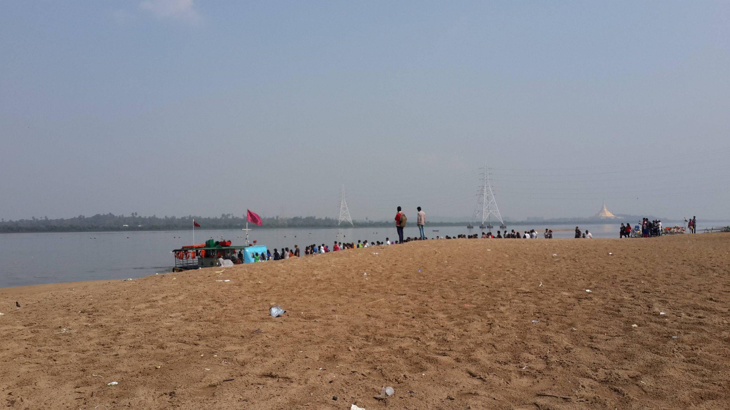 Top Suburban Mumbai Beach You Must Visit-Marve Beach (Malad)