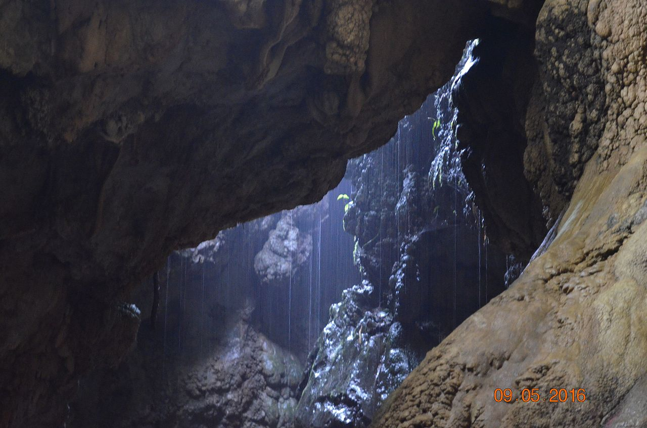 Best Attraction To Visit Nearby Nohsngithiang Waterfalls-Mawsmai Cave