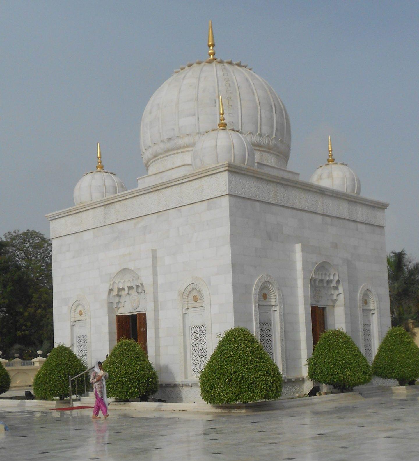 Place to Visit Near Mandvi Beach-Mazar-E-Noorani, Kutch