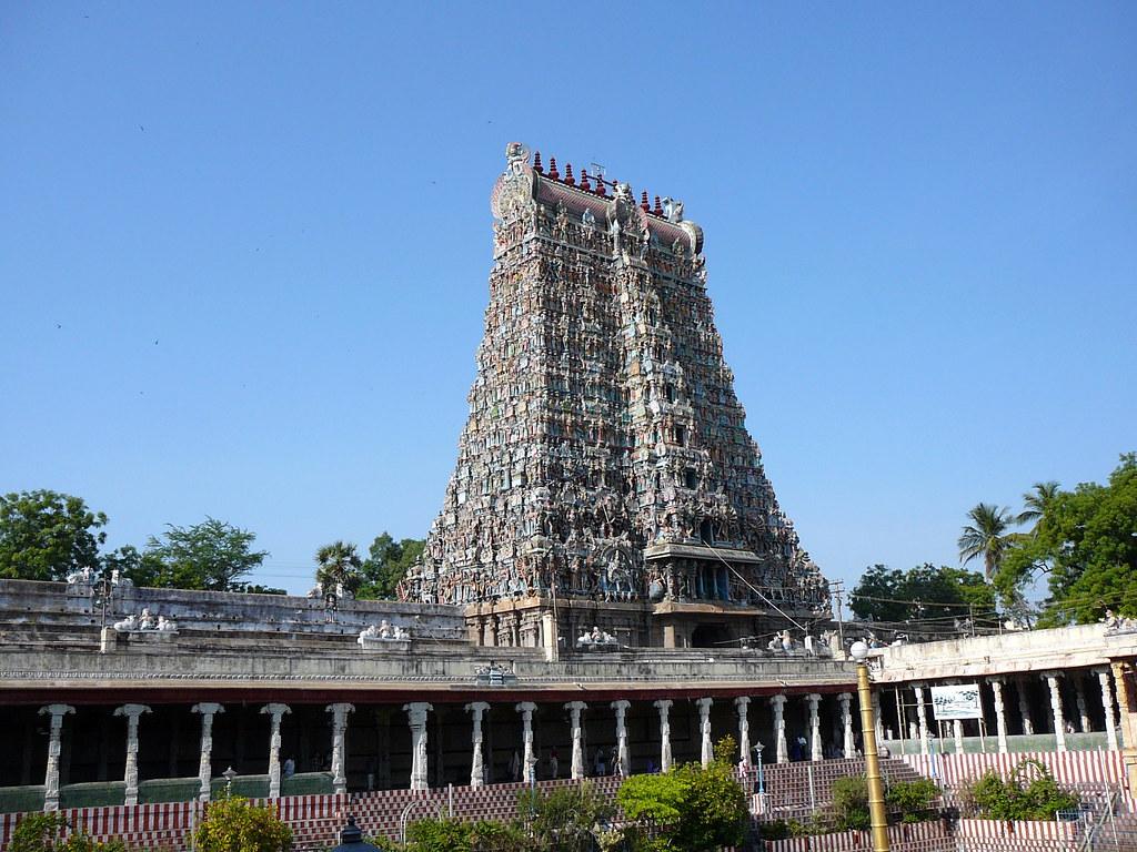 Meenakshi Amman Temple in Madurai - Amazing Temple to Visit in Tamil Nadu