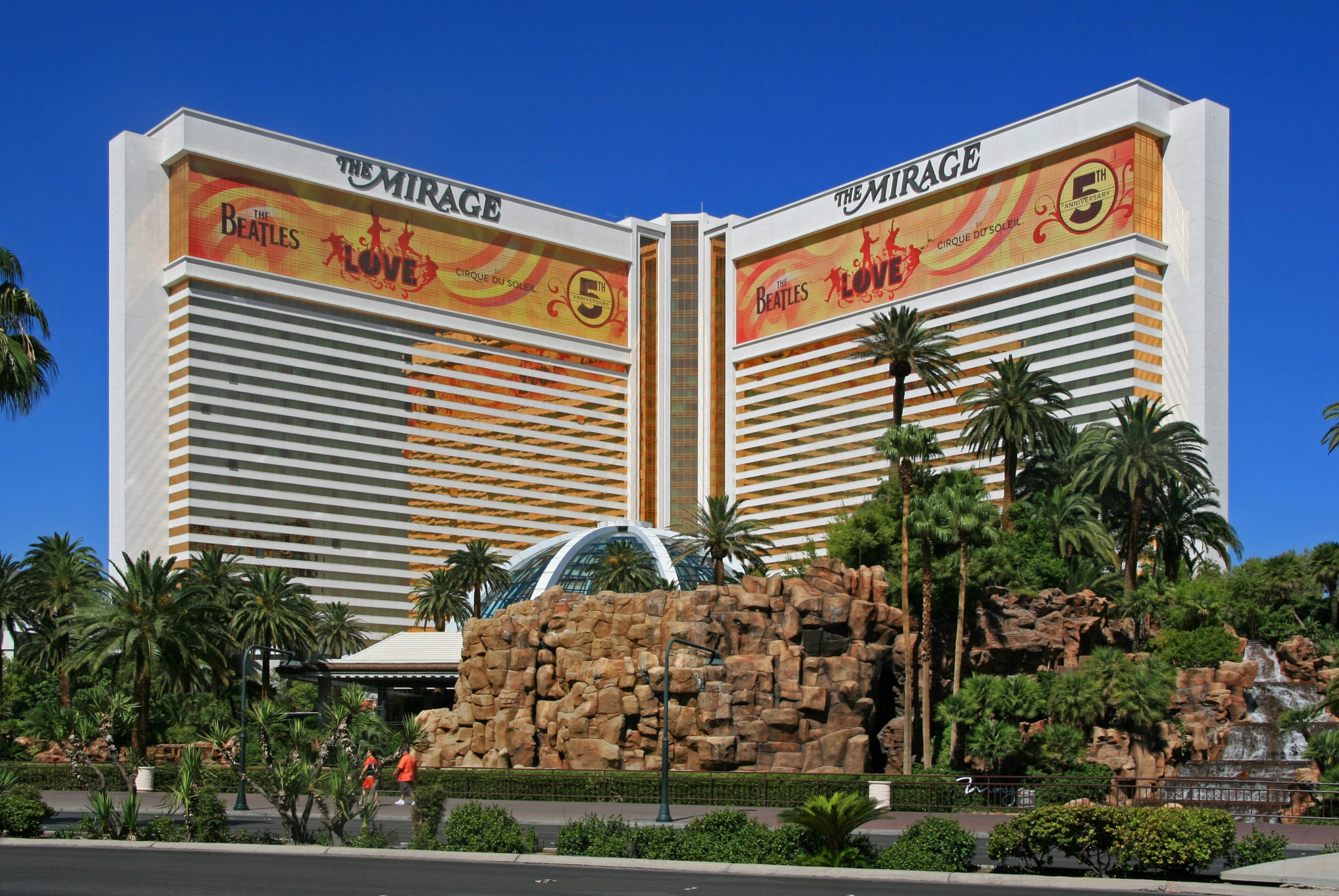Mirage Hotel - Things That You Should Not Miss in Las Vegas
