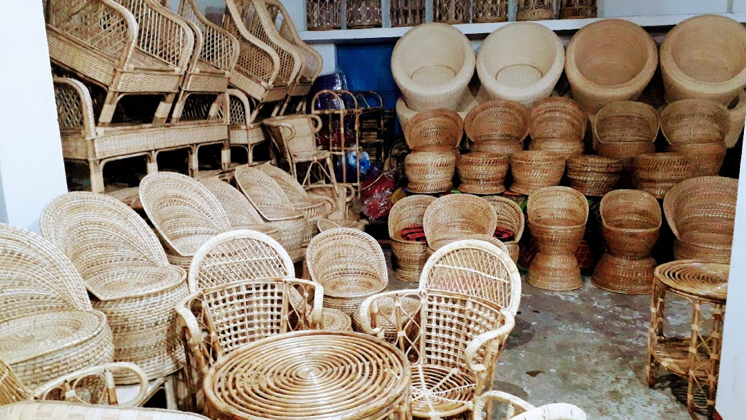 Mirik Floating Handicraft Market - Best Place to Shop in Mirik