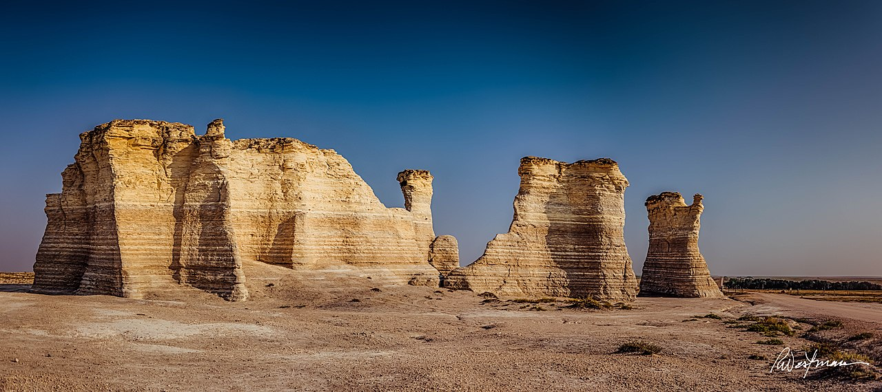 Amazing Place to Visit In Kansas-Monument Rocks